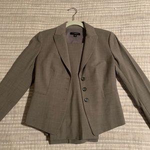 Ann Taylor Gray Suit (Jacket/Pants), Size 2P